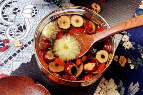 Trà táo đỏ long nhãn dưỡng nhan