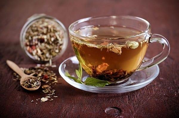 Uống trà thảo dược có tác dụng gì