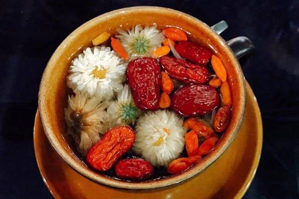 Trà hoa cúc kỷ tử táo đỏ
